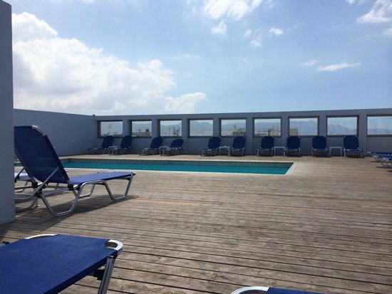AQUILA Atlantis Hotel : Roof top pool