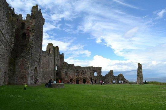 Tantallon Castle: Vue d'ensemble