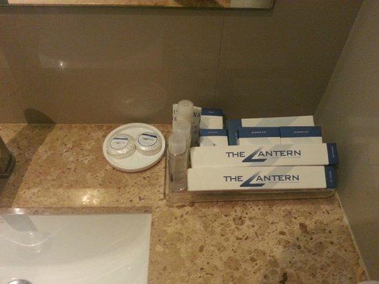 The Lantern Resorts Patong: Bathroom Luxury 2 Bedroom suite