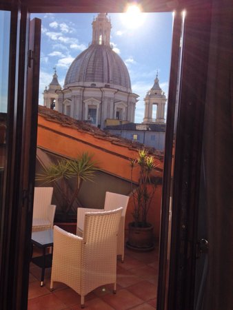 Hotel Teatro Pace : The rooftop terrace of room 401 with a view of Sant'Agnese in Agone at Piazza Navona.