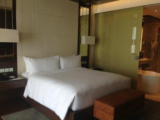 JW Marriott Hotel Hanoi: Room