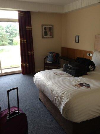 Mercure Leeds Parkway : Bedroom