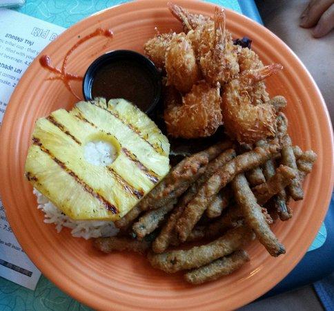 Mama Kwan's Grill & Tiki Bar: Coconut Shrimp Plate