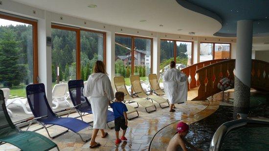 Family Hotel Belvedere: piscina