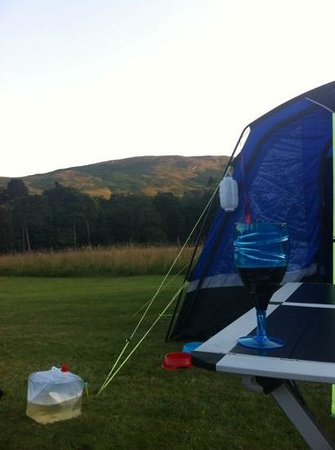 Blair Castle Caravan Park : stunning view from our tent