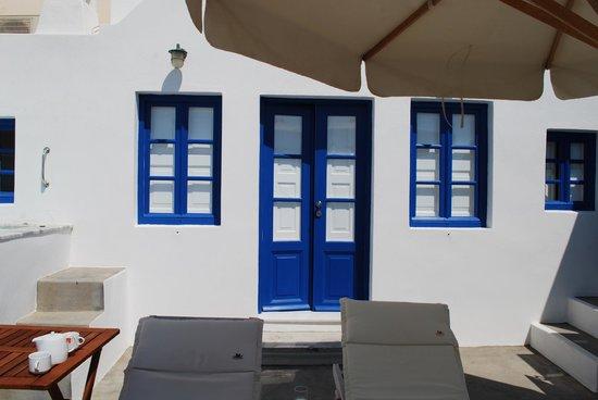 Chelidonia Villas: Front of Captains Suite