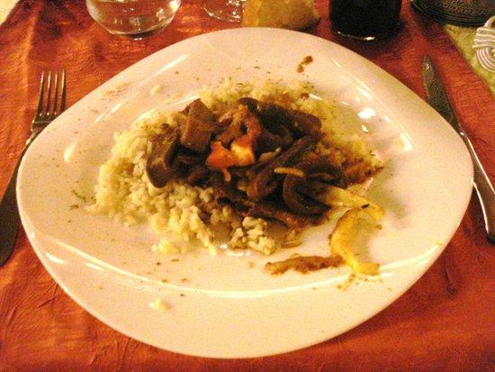 Saint-Martin-de-Bromes, Γαλλία: Poêlée d'encornets, légumes sautés.
