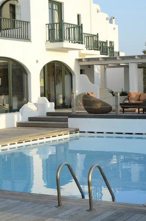 Tharroe of Mykonos Hotel: Pool