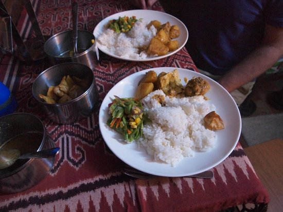 The Kebun: Dinner in our little Cabin