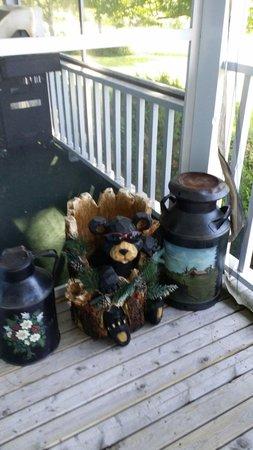 Auld Farm Inn B & B: The Welcome Bear