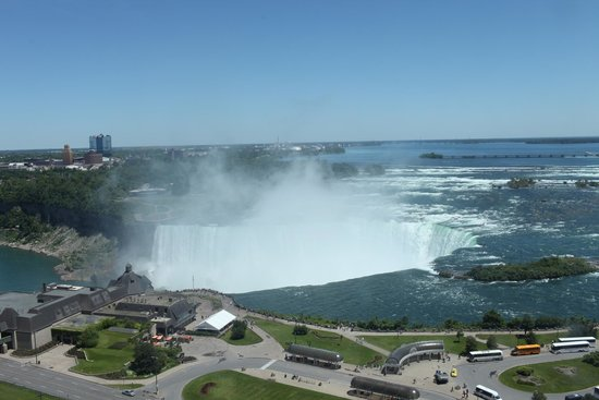 Niagara Falls Marriott Fallsview Hotel & Spa: Horseshoe Falls from our room
