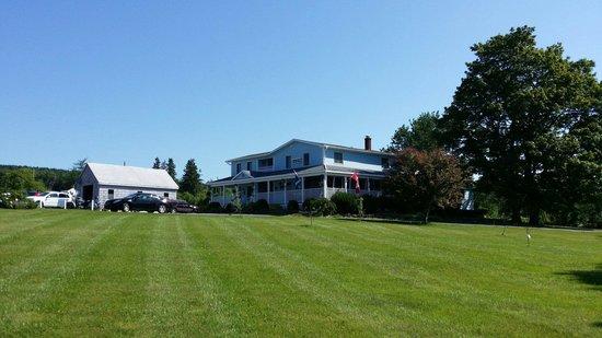 Auld Farm Inn B & B: Well maintained