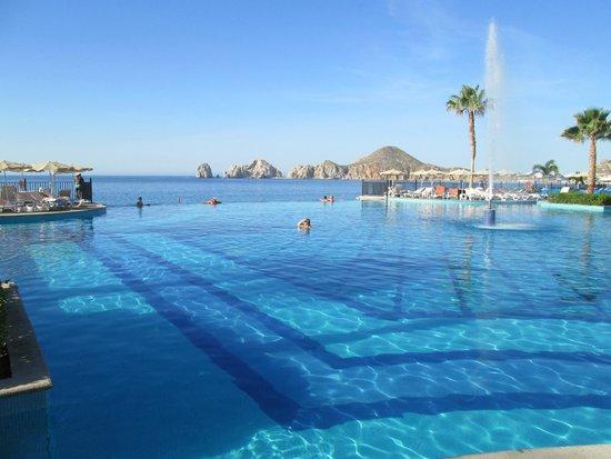 Hotel Riu Santa Fe : One of the many pools at Riu Santa Fe