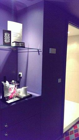 Tivoli Hotel: Tea-coffee corner