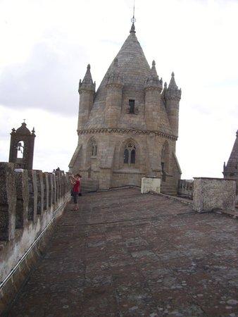 Sé Catedral de Évora : Sur le toit de la cathédrale, vue de la tour