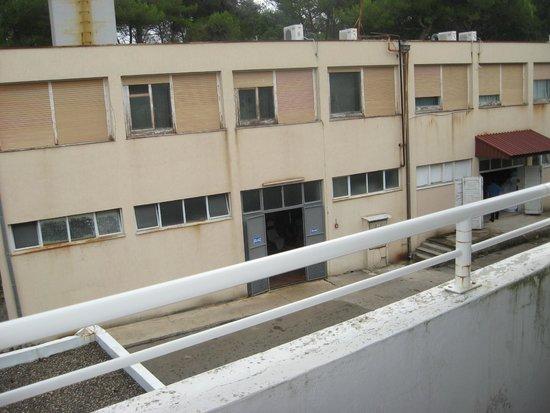 Mediteran Residence: panorama 2 (da qui provengono la maggior parte dei rumori)