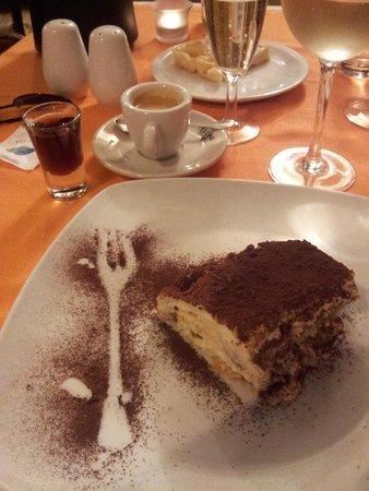 Profumo di ristorante italiano: Tiramisu & Grappa