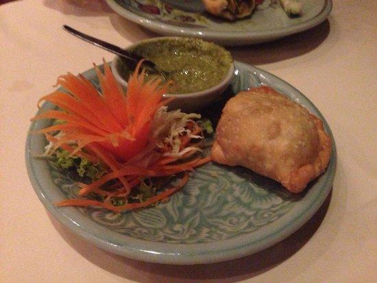 Whole Earth Restaurant : Vegetable samosa