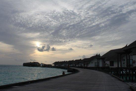 Jumeirah Vittaveli: Sunset