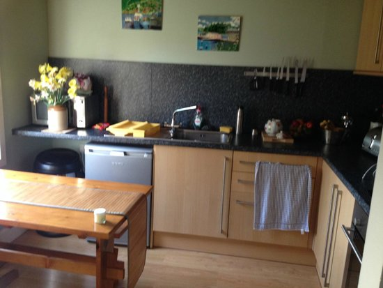 Kiltaraglen House : Modern, fully equipped kitchen