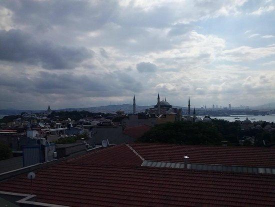 Nena Hotel: Vista desde la terraza donde desayunamos
