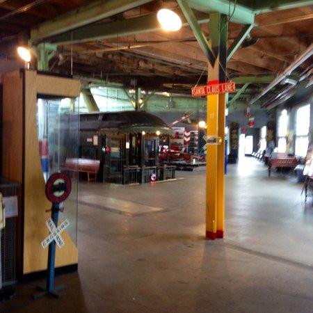 Jackson Street Roundhouse : Inside museum