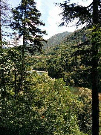 Zogno, Włochy: Panorama dal sentiero che conduce alle grotte