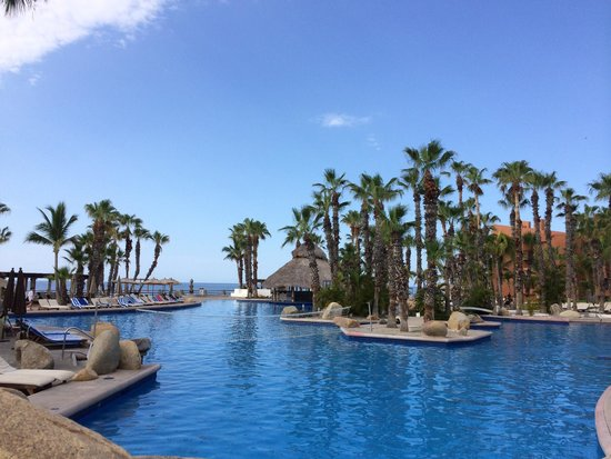 Paradisus Los Cabos : Good-sized pool with swim-up bar. Fairly shallow throughout. A little warm in late July. The coo