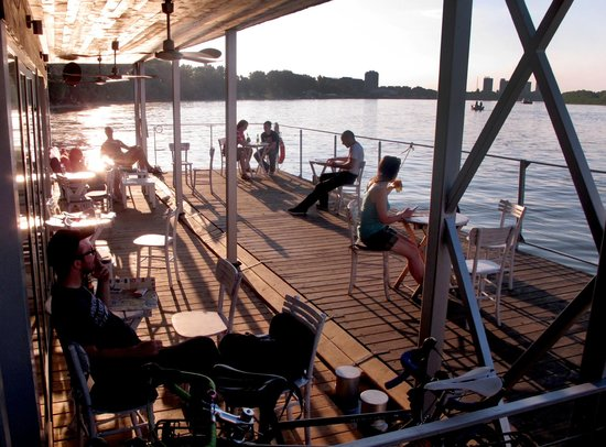 Arkabarka Floating Hostel: Magic moments on floting terrace