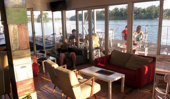 Arkabarka Floating Hostel: River spirit