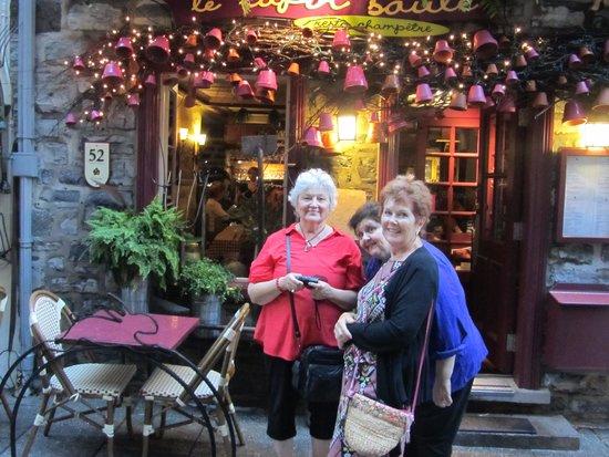 Le Lapin Saute : Entrance to the Lapin Saute