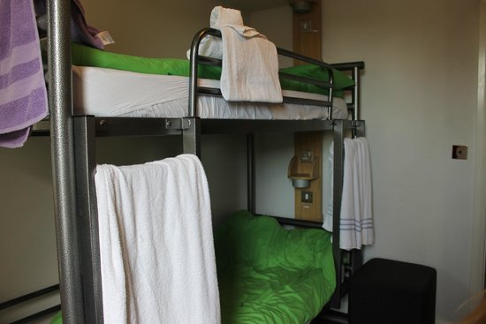 YHA London Oxford Street: habitación privada para 2...aunque tenia 3 camas :)
