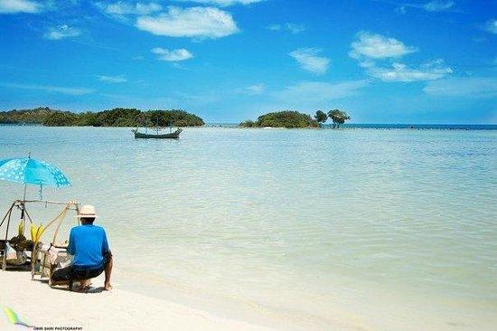 Dara Samui Beach Resort : The private beach