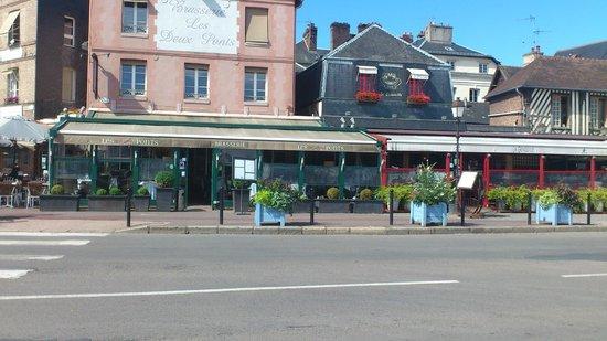 Restaurant Les Deux Ponts: .
