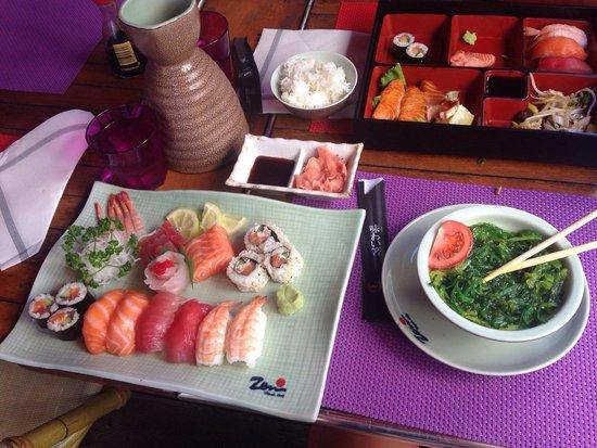 Zen : Assortment sushi&sashimi,bento poissons,seafood salad