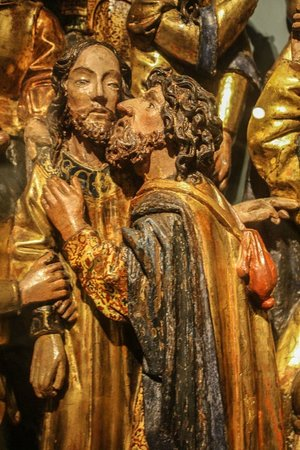 The Walters Art Museum : Altarpiece detail of Judas and Jesus