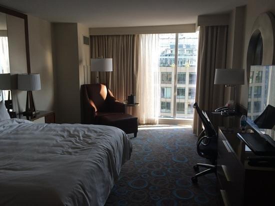 Marriott Marquis Washington, DC: Room picture