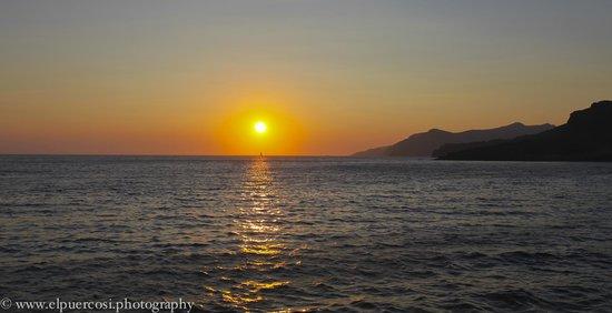 Nikos Villas: Oia Sunset