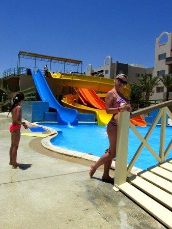 Nubia Aqua Beach Resort : горки