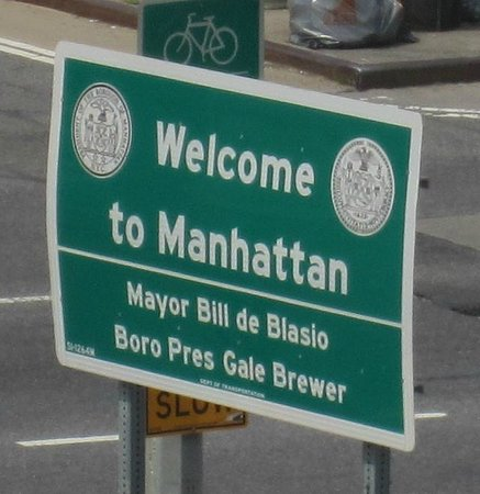 Holiday Inn NYC - Lower East Side: Manhattan sign just over the Williamsburg Bridge