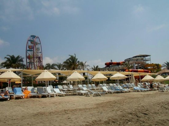 Long Beach Resort Hotel & Spa: Beach - fair ground and water park in the back ground