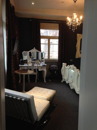 The Rutland Hotel: Castle view room