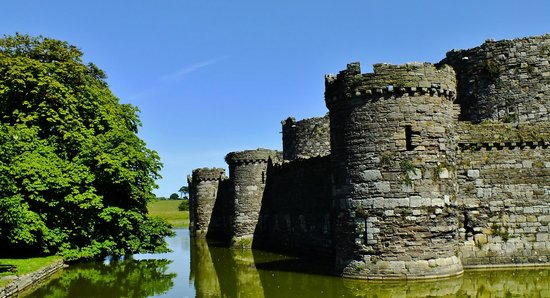 Beaumaris Castle: Beaumaris  castle
