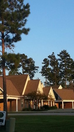 Springfield, LA: Another evening view of the Villas