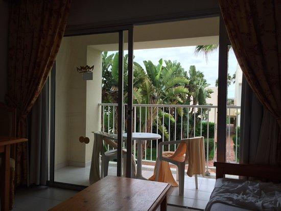 ClubHotel Riu Oliva Beach Resort: Vista desde el interior (hab.2220)