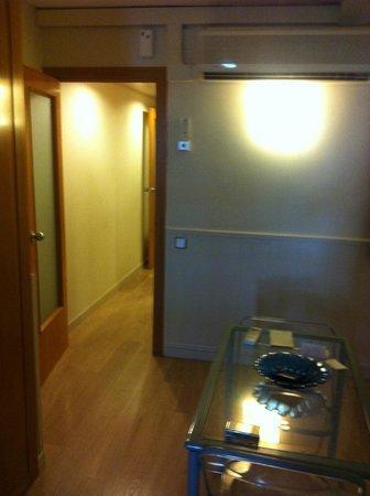 Atica Apartamentos : cucina, camera separata e bagno