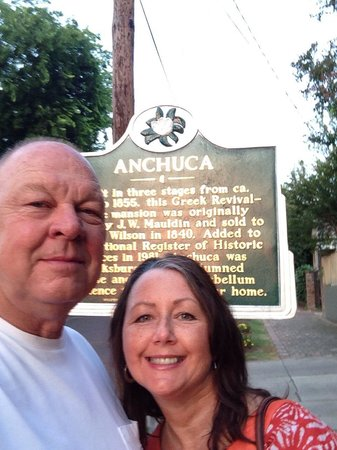 Cafe Anchuca at Anchuca Historic Mansion: Wonderful dinner!  Plan to stay at the B&B on our next trip!