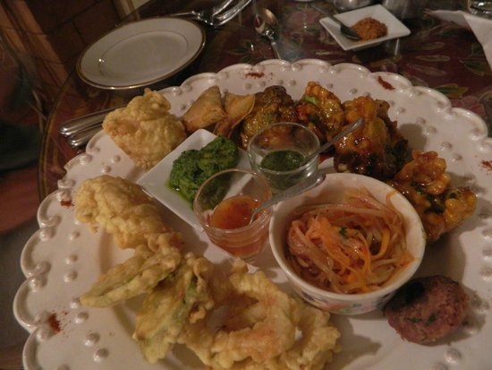 Lokanga Boutique Hotel: lovely food, lots of choice for vegetarians too