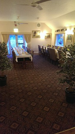 Tafarn Y Gors: Our open plan Dining room can accommodate large parties with space for Entertainment and a Dance