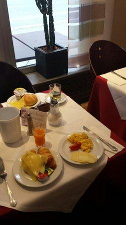 Vi Vadi Hotel: The tasty breakfast.